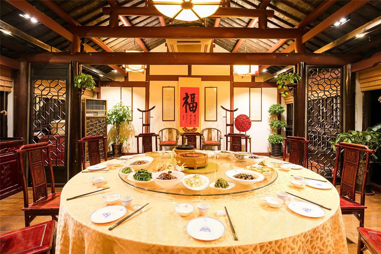 寻味|ta来了ta来了,水乡亚搏娱乐国际带着年夜饭来咯~